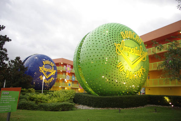 Pop Century Resort Hotel