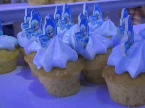 Elsa Cupcake